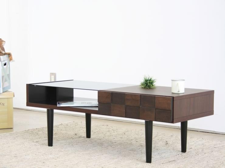 日本の近代居住スペースに映えるシンプルモダンなテーブルです。