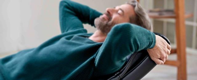 ストレスレスチェアは、長時間座っても疲れないチェア眠くなったら寝姿勢に。