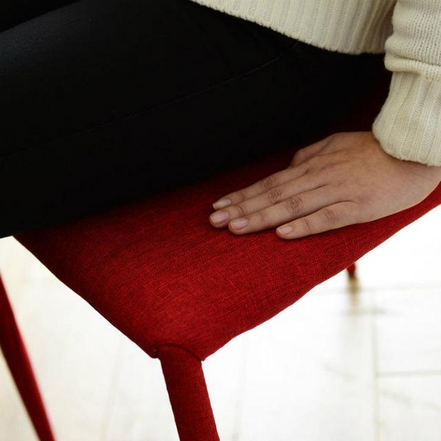 張地には衣服にも使用されるさらっとした肌触りのポリエステル100%です