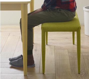 細い脚でもしっかりした座り心地