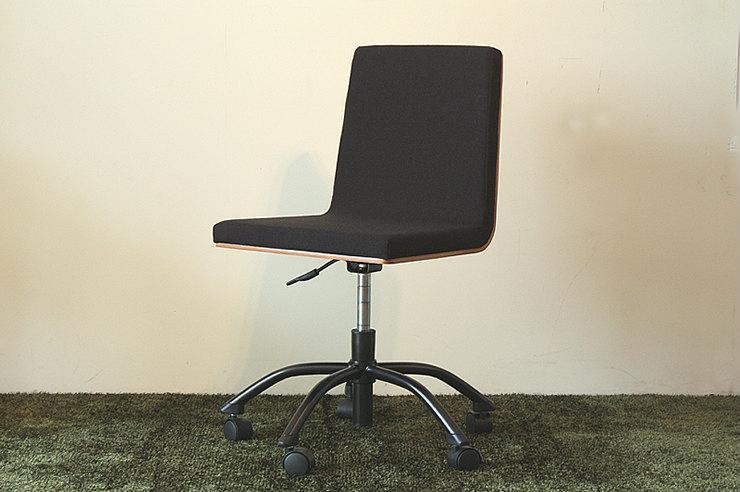人気のウォールナットとブラックの張地のスマートなデスクチェア LEGATO レガート オフィスチェア キャスター付きチェア 書斎・オフィス