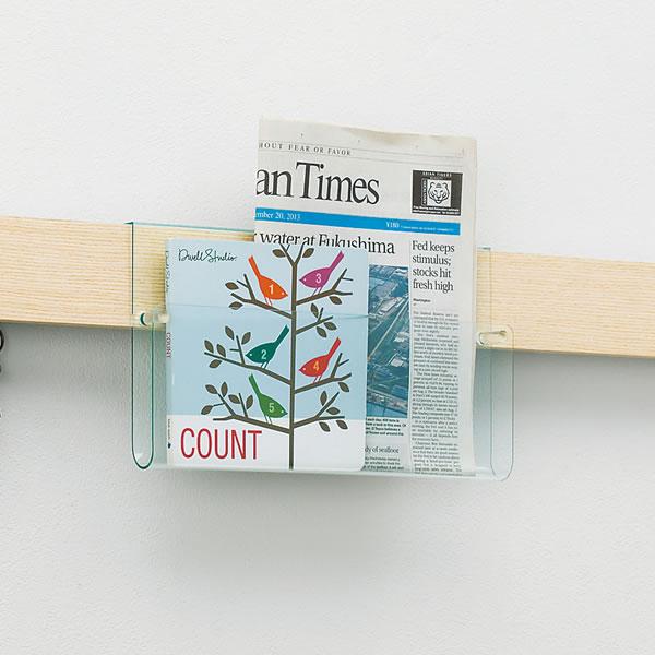 パンフレットなどを入れておくのに便利な長押ラック用クリアポケット